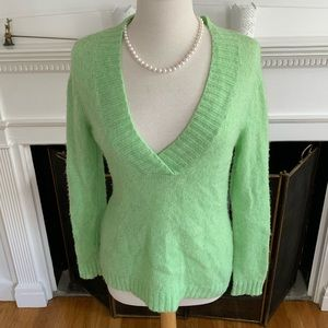 GAP super soft stretchy v-neck sweater